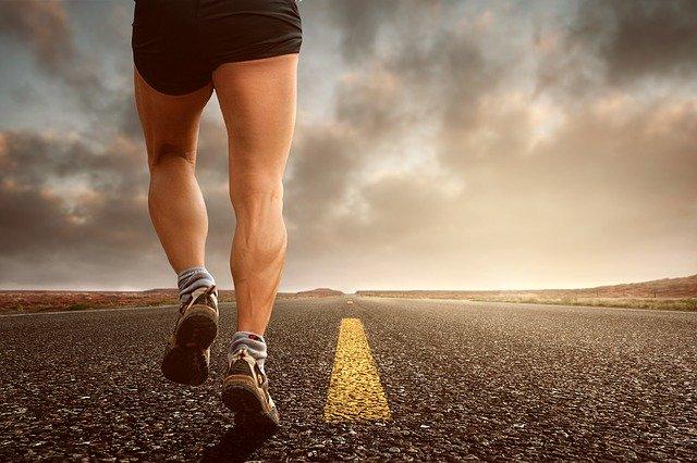 muž běžící jogging