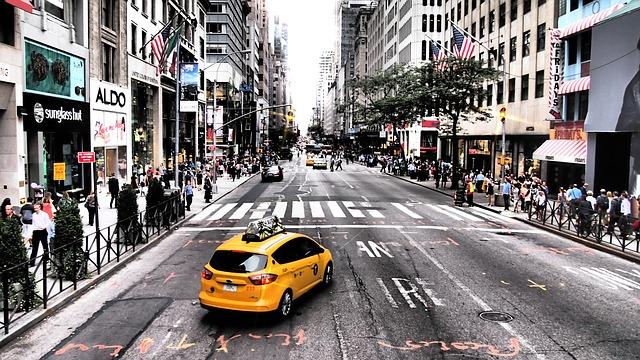 žlutý taxík